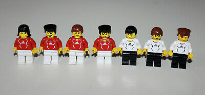 LOT OF 11 Lego Soccer Minifigs Goalie USA Team & 2 Soccer Balls Blue