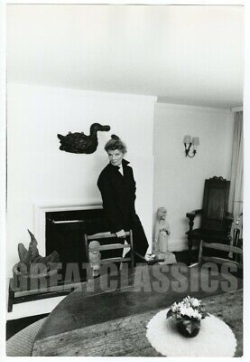 KATHARINE HEPBURN CANDID AT HOME 1960s OVERSIZE DBLWT PHOTOGRAPH CECIL BEATON