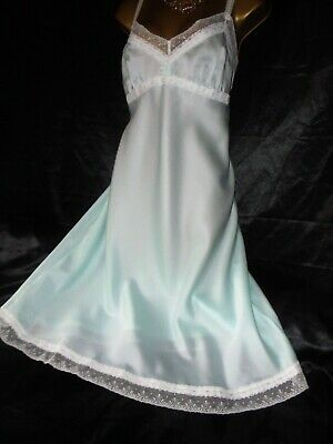 Stunning  vtg  green silky satin  full slip petticoat  40 chest st michael
