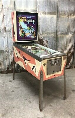 1968 Williams Daffie Pinball Machine, Coin Operated Arcade Game, Game Room Decor