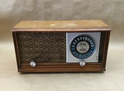 Vintage Collectible 1950's Zenith 2-2479 AM FM Table Radio
