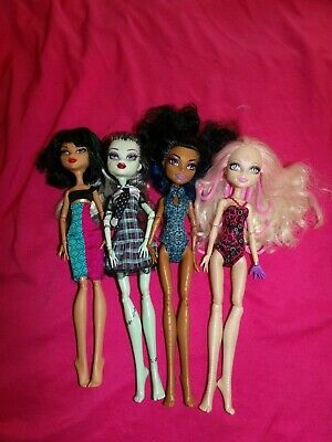 Monster High Doll Lot of 10 Dolls.