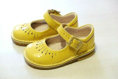 Clarks Baby girl yellow patent leather shoes size 4.5/20.5 F RRP£25