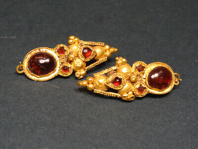 Pair Of Ancient Gold & Garnet Earrings Hellenistic / Roman 200-100 Bc