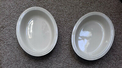 2 x Le Creuset Glazed Stoneware Grey Oval Ridged Pie Dish 180mm on long side.