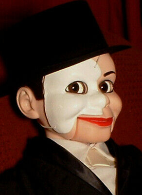 """HAUNTED Ventriloquist doll Phantom of the Opera """"EYES FOLLOW YOU"""" puppet dummy"""