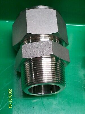 """SWAGELOK SS-2400-1-24 SS Tube Fitting Male Connector 1 1/2"""" Tube OD x Male NPT"""