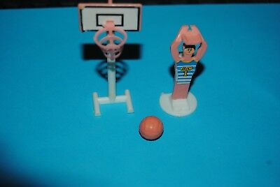 V: Kinder ancien montable 1981 basketteur