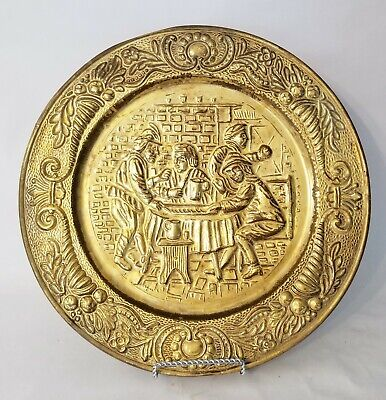 Vintage Peerage Brass Embossed Wall Hanging Plate Men In Tavern Made In England