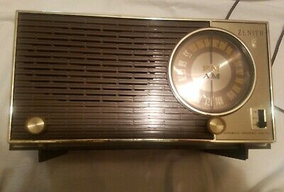 Vintage 1950s Zenith (x316 x318) Working AM FM AFC Tabletop Tube Radio