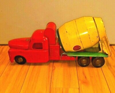 1950's Vintage STRUCTO Pressed Steel TOY CEMENT TRUCK - Red and Yellow