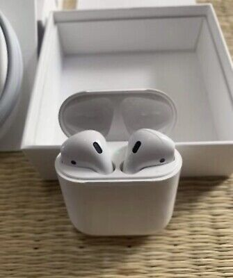 Apple AirPods MMEF2AM/A Wireless Bluetooth Earbuds - White