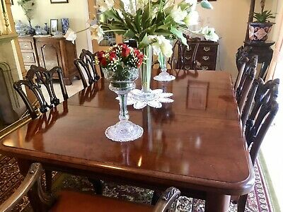 Early Pull Out Victorian Mahogany Extending Dinning Table, 2,Leaves, Seats 10