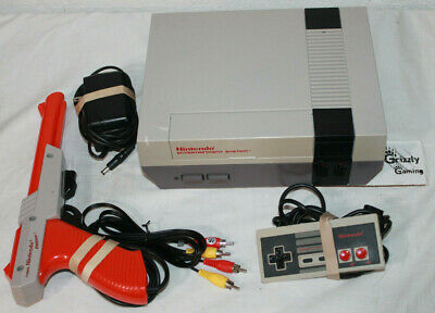 USED Nintendo Entertainment System NES-001 Console + Zapper, Gamepad & Cords