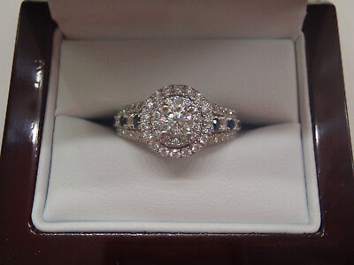 BEAUTIFUL VERA WANG Love Collection 3 Stone ring Emerald Cut