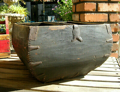 Primitive Antique Wooden Grain Measure Dovetailed Handled Basket / Bucket Large!