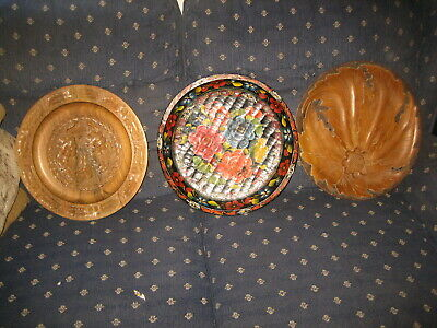 "lot 3 Round Hand Carved Wooden Serving Trays 15"" ,1 handpainted 2 nice carving"