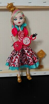 Ever After High Way to Wonderland Apple White doll