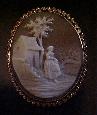 Spellbinding Victorian Mid 19Th Century Gold Framed Natural Shell Cameo