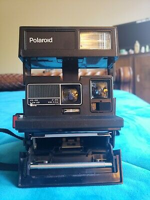 Polaroid 600 Business Edition Instant Camera Color Film Close-Up Lens (tested)