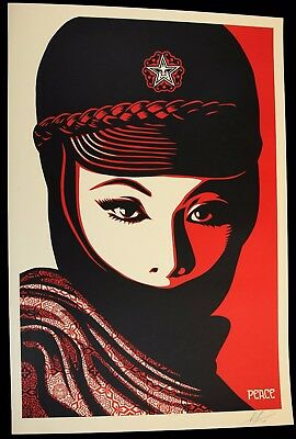 SHEPARD FAIREY ♦ MUJER FATAL Lithographie Offset signée Obey Giant