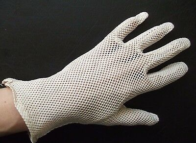 Gloves WOMENS Vintage Retro 1960s CROCHET PINK