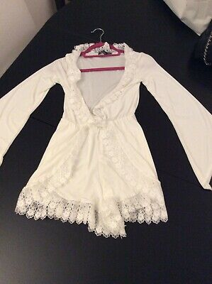 Boo Hoo White Long Sleeve (funky Sleeves) Play Suit Uk Size 8