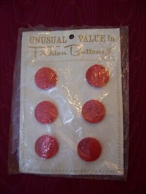 """Antique Red Round 6 Sweater Fashion Plastic 3/4"""" Buttons Wool Worth On card"""