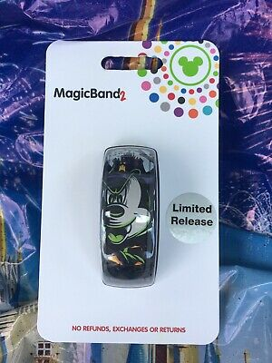 Disney Parks Halloween 2019 Mickey Mouse Vampire LE Magic Band In Hand
