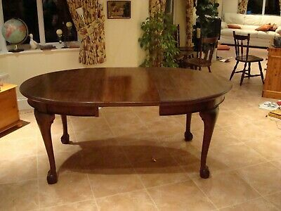 Victorian Oval table with center extender