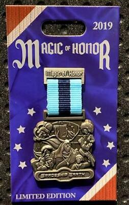 Disney Parks Magic Of Honor Spaceship Earth LE2000 Pin In Hand