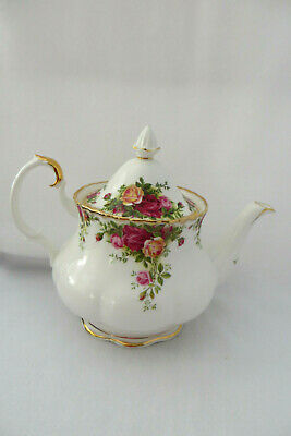 Royal Albert Old Country Roses 6 Cup Flat Opening Teapot - England - MINT