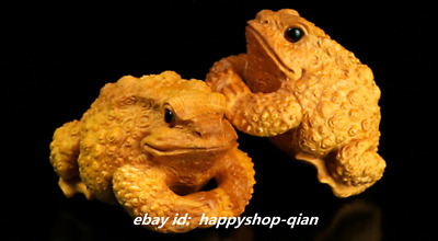 Chinese Fine Box-wood Hand-carved Animal Golden Toad Spittor Wealth Small Statue