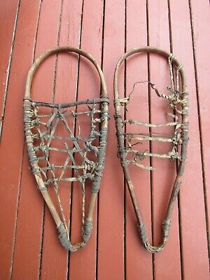 LOVELY ALASKAN SNOWSHOES OLD 29 x 12 ANTIQUE SNOW SHOES GREAT PATINA  RAWHIDE
