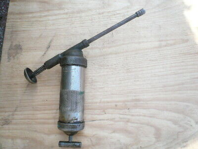 Vintage Lincoln Engineering Co. St. Louis, Mo. Grease Gun Model1100 ( 40285 )