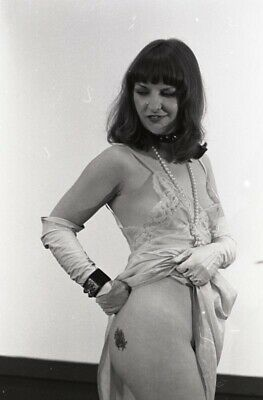 1970 Lyle Tuttle Collection Woman With Tattooed Butt At National Convention N-1
