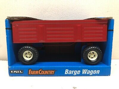 1/16 Case IH Red Barge Tractor Wagon Farm Country Pressed Steel New by ERTL
