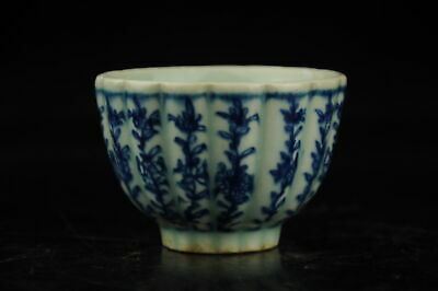 china old hand-made Blue and White porcelain flower pattern cup a02