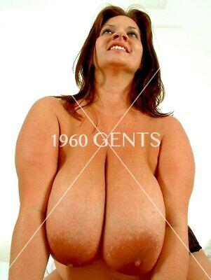 Nude 8X10 Photo Of Busty Big Curvy Girl Brunette Huge Hangers Areolas! -Cbg4
