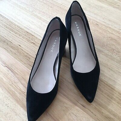 "Basque Black Suede Pumps ""Caitlyn"" with patent heels"