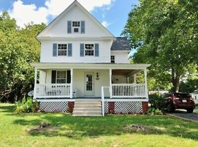 Eastern Shore Victorian: Close to Bay and Ocean Beaches