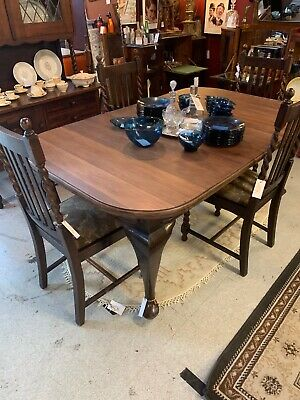 1920's Art Deco Solid Oak Extendable Dining Table