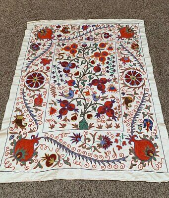 Wall Hanging Suzani Uzbek Silk Beautiful Vintage Tablecover Handmade Embroidery
