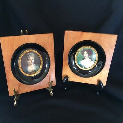 Stunning Antique  Pair Of Miniature Portraits Wood Frame With Black Inset