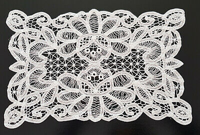 Set Of 4 White Lace Doilies ~  Shabby Chic, High Tea, French, Hamptons Decor