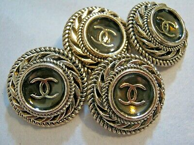 Chanel cc buttons matte gold  20mm lot of 4 good condition