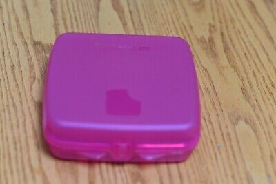 Tupperware Sandwich Keeper Pink