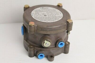 Dwyer 1950-0-2F Explosion Proof Pressure Switch
