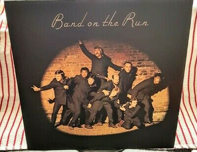 """PAUL McCARTNEY AND WINGS - BAND ON THE RUN - 12"""" VINYL LP inc. COLOUR POSTER, EX"""