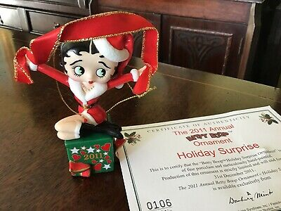 """4"""" 2011 Betty Boop Annual Ornament. Porcelain. """"holiday surprise"""" Boxed. Certs."""
